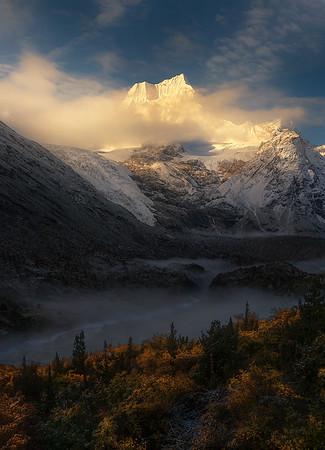 Mountain Landscapes    山峰