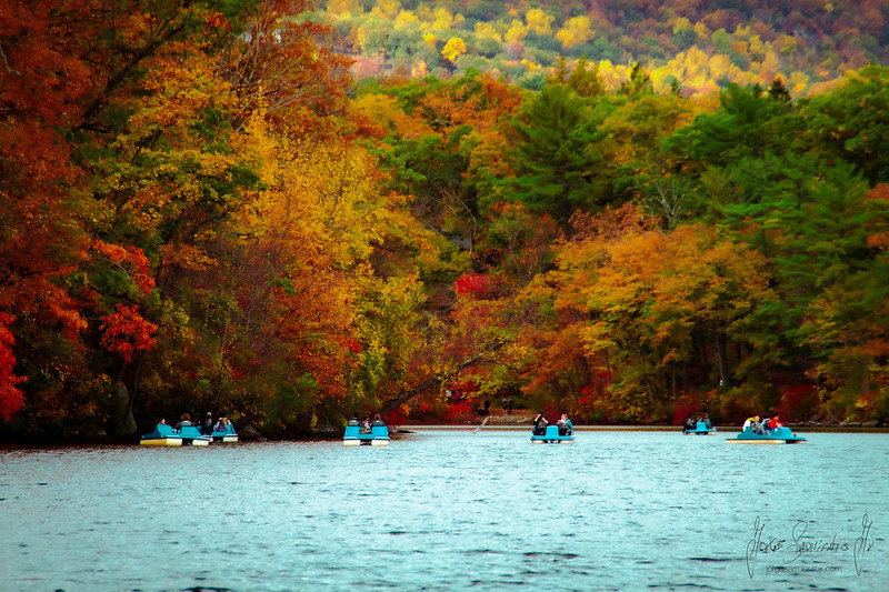 colorful-lake-bear-mountain-new-york-new-jersey-photo-video-new-jersey-new-new-yorkIMG_7174.jpg