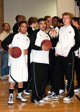 Basketball Varsity Boys vs Desert Edge 2/5/2010