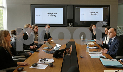 french-minister-meets-with-google-facebook-twitter
