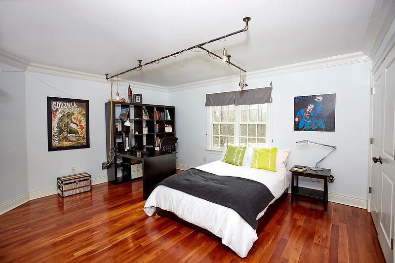 INSIDE HOUSE11821.jpg