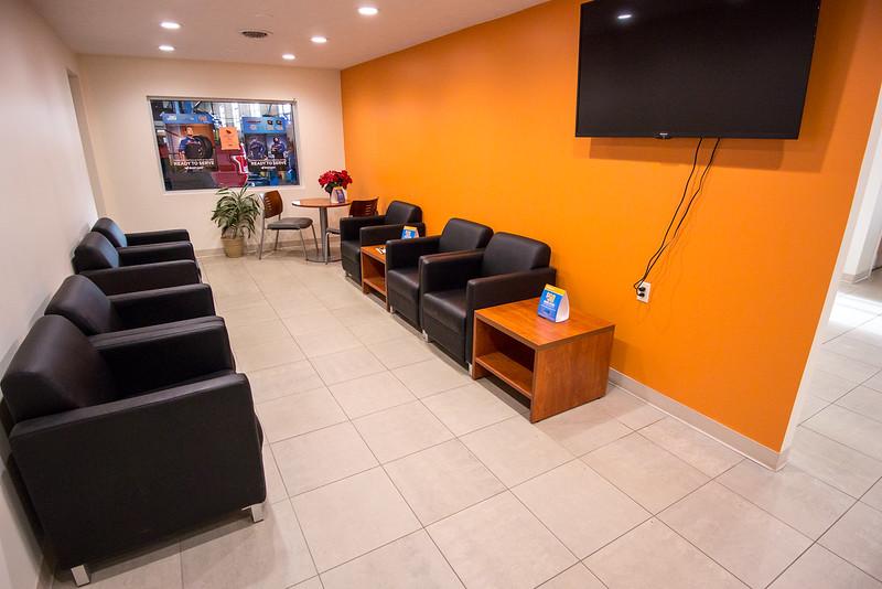 Quick Lane lounge