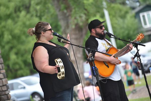 Laurel & Matt in the Park 8-15-19