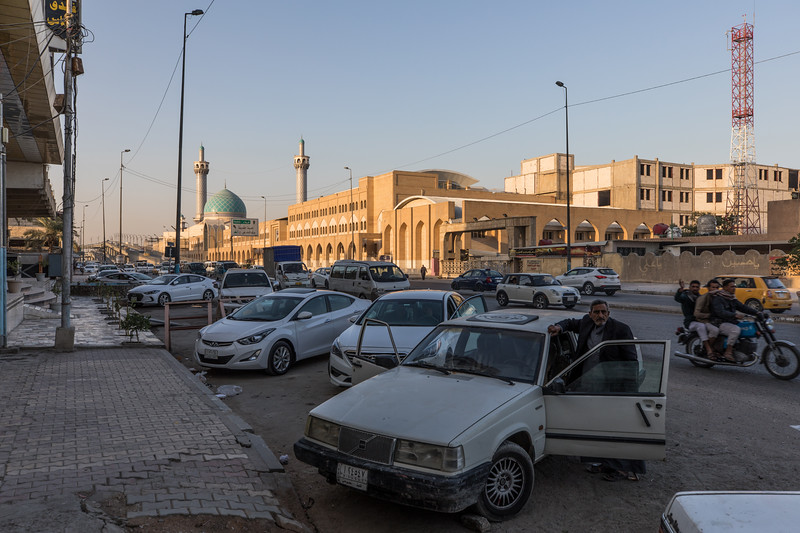 A busy street in the city of Najaf.