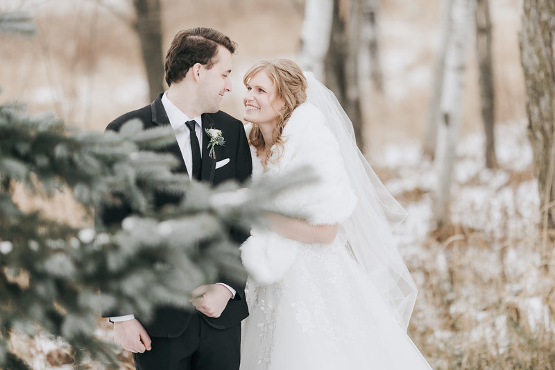 Logan_Sarah_Wedding_Rock_Ridge_Orchard_LLC_Edgar_Wisconsin_November_10_2018-180.jpg