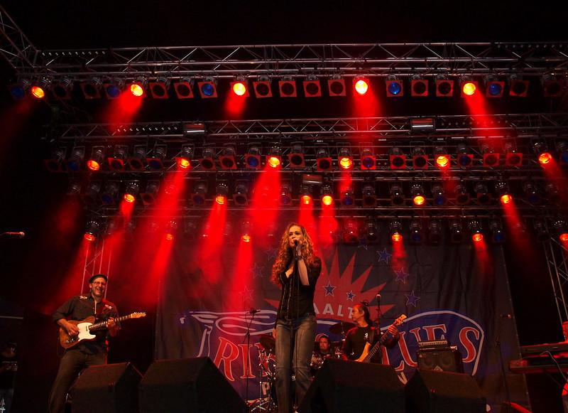 Dana Fuchs Band Ribs & Blues Raalte 31-05-09 (1).jpg