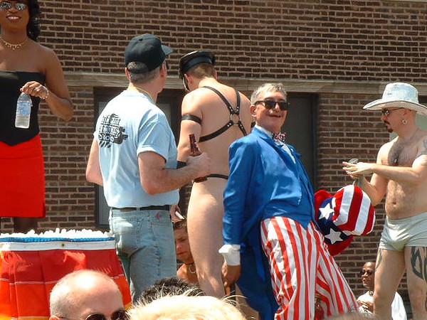 Pride Parade 2001.jpg