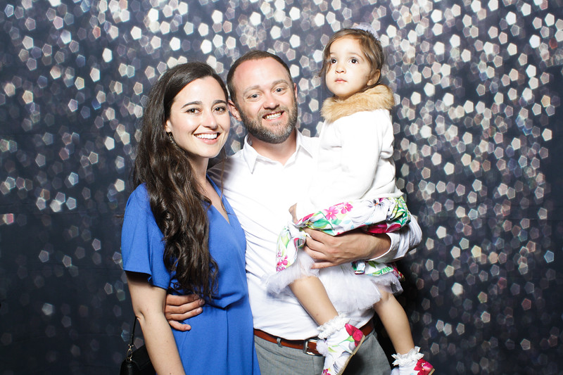SavannahRyanWeddingPhotobooth-0052.jpg