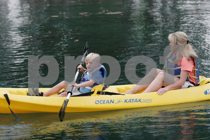 Kayakers 1099.jpg