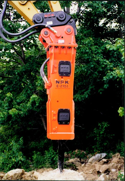 NPK E210A hydraulic hammer with QA20 quick attach 06-25-99 (4).JPG