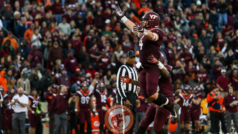 LB Dax Hollifield celebrates after stopping Miami on a 3rd and short in the second half. (Mark Umansky/TheKeyPlay.com)