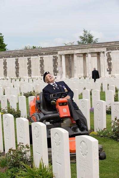 Ypres Tyne Cot Cemetery (116 of 123).jpg