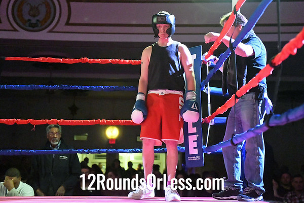 Bout #8:  Nolan Tater, Red Gloves, Ares Combat, Nordonia High School   vs   Austin Murnahan, Blue Gloves, Independent, Mansfield, OH  152 Lbs. - Sub-Novice