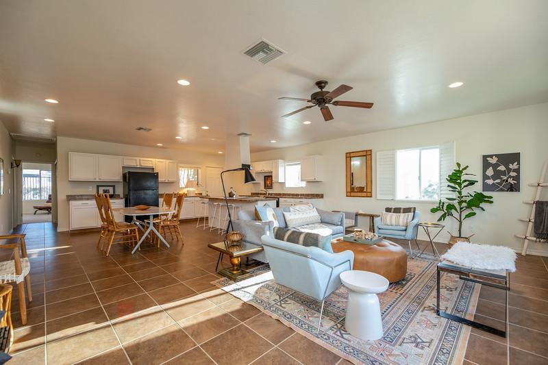 20190507-livingroom 1.jpg