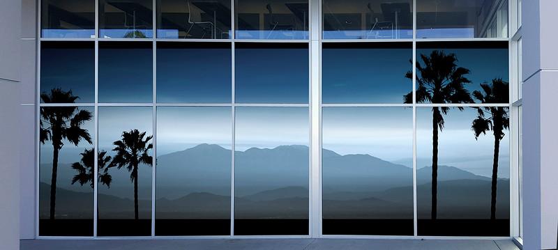 Hyundai Delivery bay window Size_01.jpg