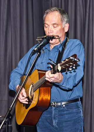Larry Murante plays Key center