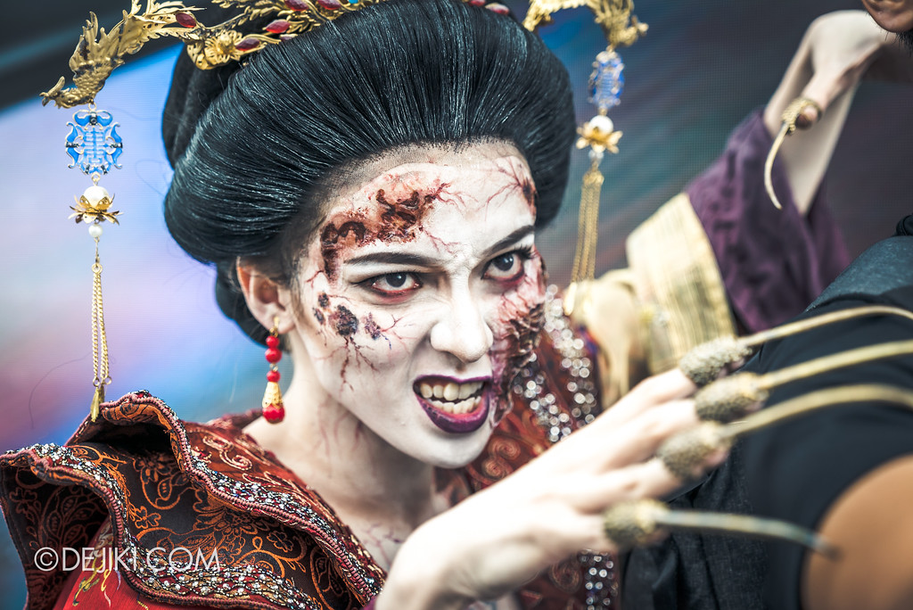 Halloween Horror Nights 7 Preview Construction Update Before Dark 3 - Cruelty Icon Empress Qing, Terrorcotta Empress haunted house grabbing TM
