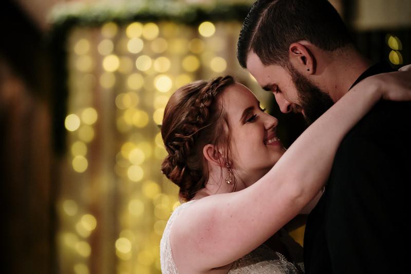 rustic_ohio__fall_barn_wedding-379.jpg