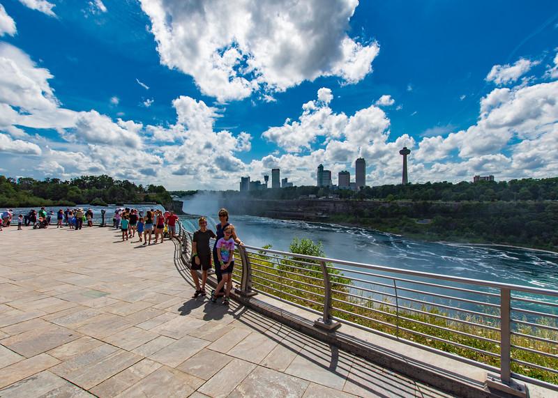 Mom-grace-elijah-Niagara-Falls2.jpg