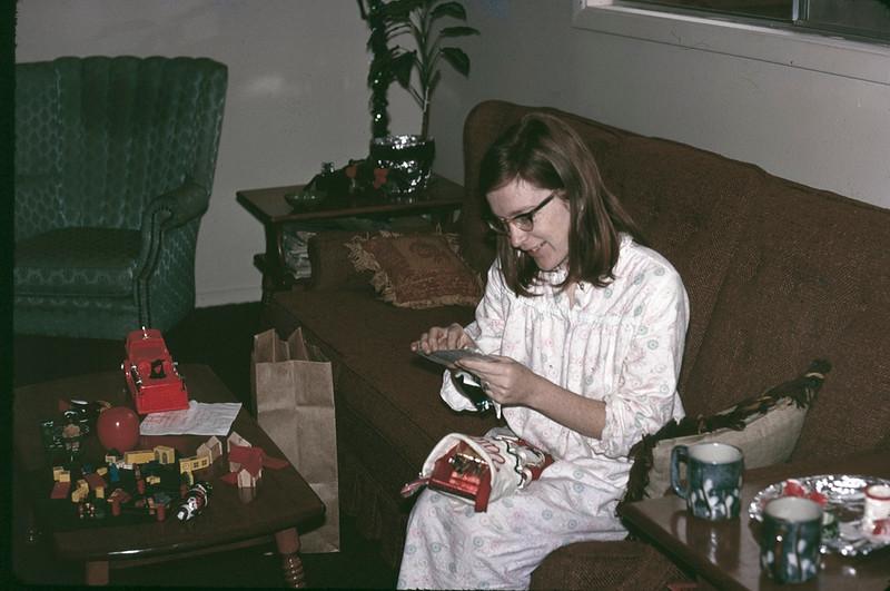 1970 12 Valarie.jpg