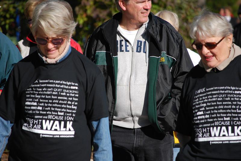 Fight For Air Walk - Candids - LPW_10_2_11 039.jpg