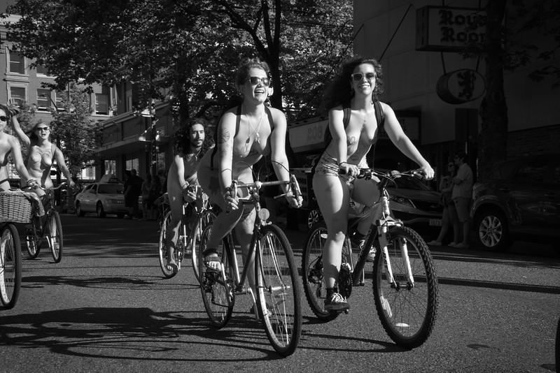 Nude Bike Ride (71).JPG