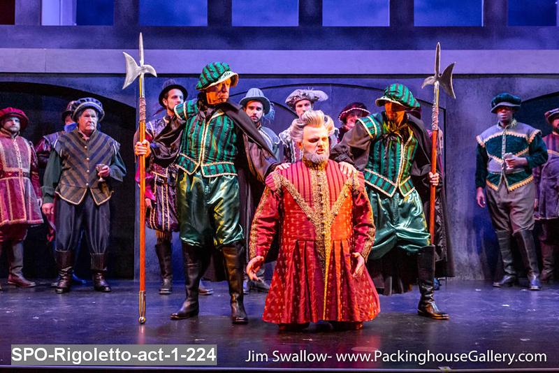 SPO-Rigoletto-act-1-224.jpg