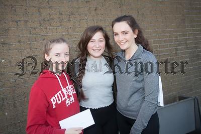 Shirley McArdle, Chloe Carr and Ellen Kelly. R1635017