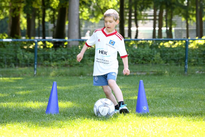 hsv_fussballschule-211_48047946026_o.jpg