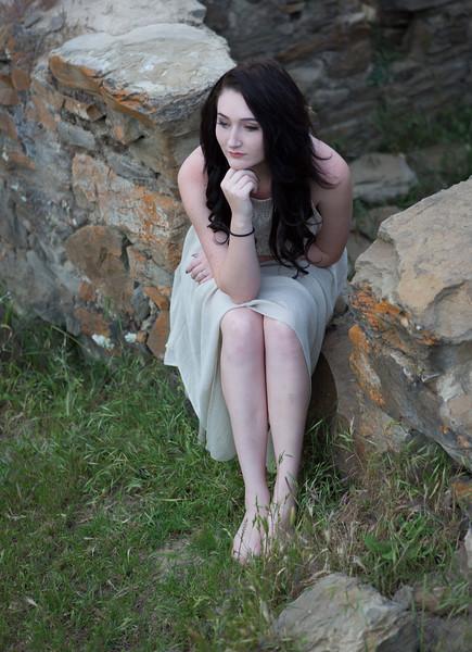 Abby Portrait Round Valley-_85A7021-.jpg