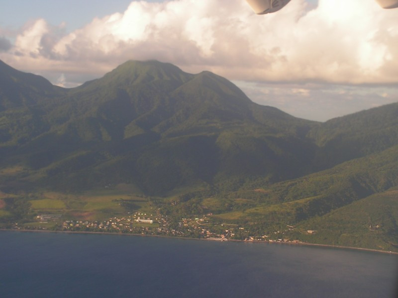 st_kitts_from_plane_3.jpg