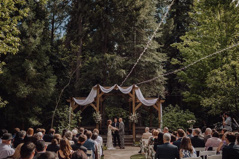2018-05-12_ROEDER_JulieSeth_Wedding_ROEDER1_0132.jpg