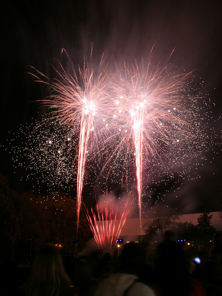 2007_1102putneyfireworks113_edited-1.JPG