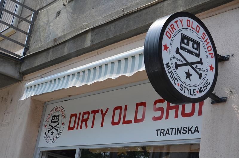 DSC_0345-dirty-old-shop.JPG