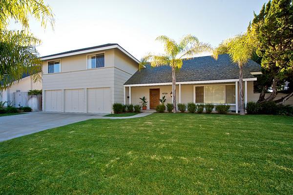 8728 Robinhood Lane, La Jolla, CA 92037