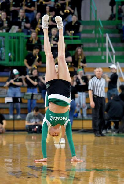 cheerleaders6915.jpg