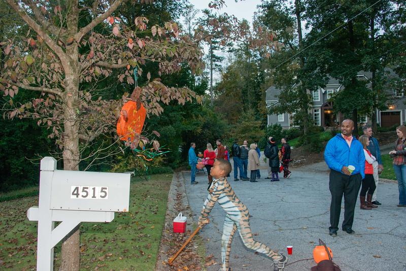 Halloween on Runnemede-8.jpg
