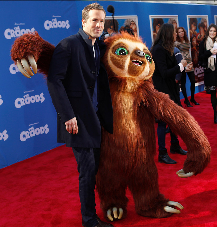 ". Cast member Ryan Reynolds arrives for the premiere of the film ""The Croods\"" in New York, March 10, 2013.  REUTERS/Carlo Allegri"