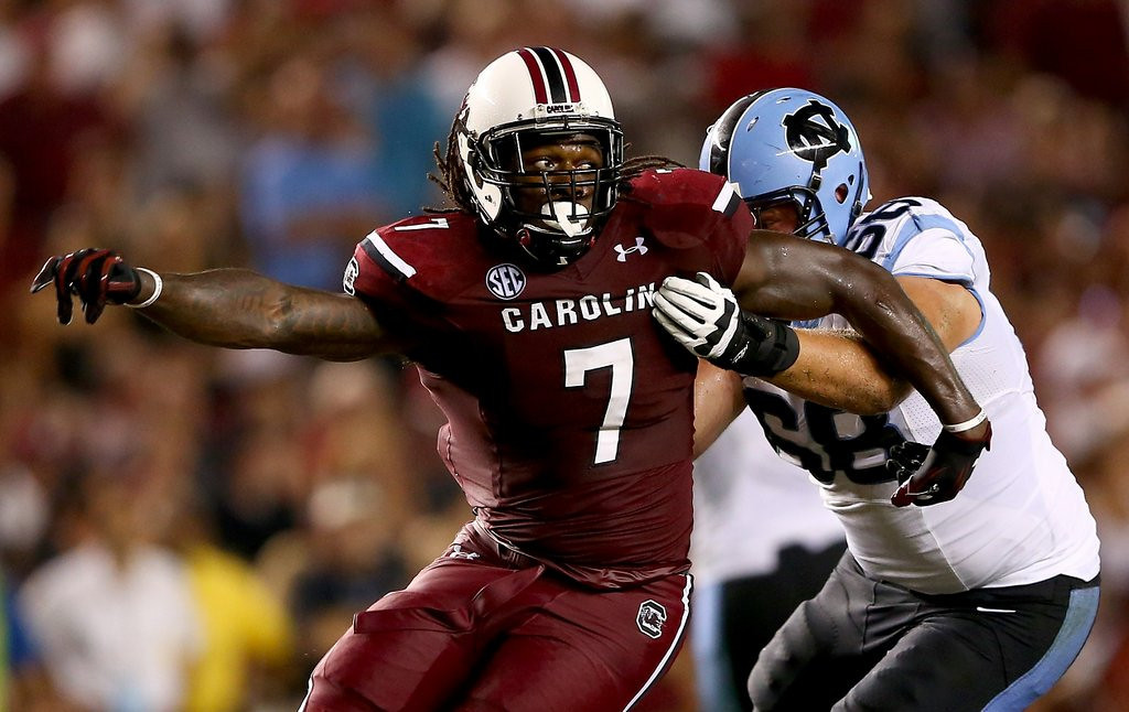 """. <p>8. JADEVEON CLOWNEY <p>South Carolina star ticketed for going 110 mph, about 108 mph faster than he ran during season. (unranked) <p><b><a href=\'http://www.usatoday.com/story/sports/ncaaf/2013/12/09/south-carolinas-jadeveon-clowney-gets-110-mph-speeding-ticket/3929441/\' target=\""""_blank\""""> HUH?</a></b> <p>   (Streeter Lecka/Getty Images)"""