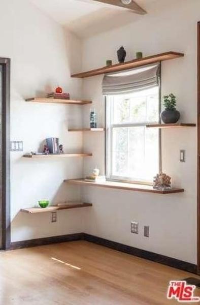 Shelves_Bood.jpg