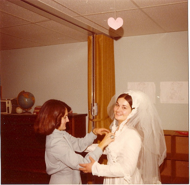 wedding day sis[1].jpg