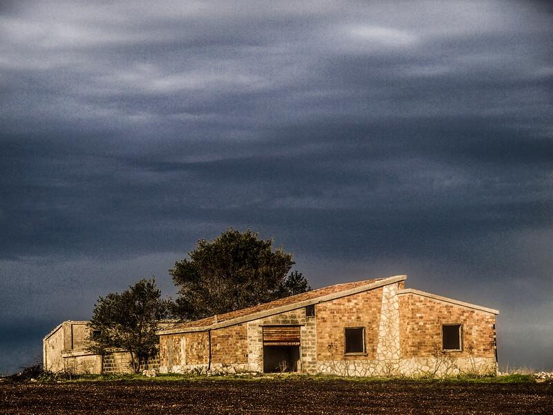 Farmhouse in Gravina in Puglia to Corato...