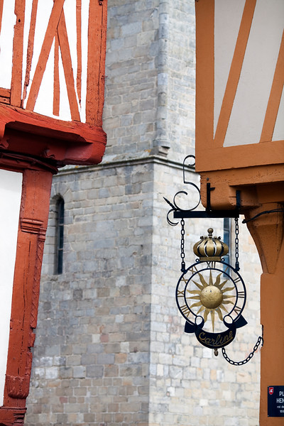 Sign of a clockmaker's, Vannes, department of Morbihan, region of Brittany, France