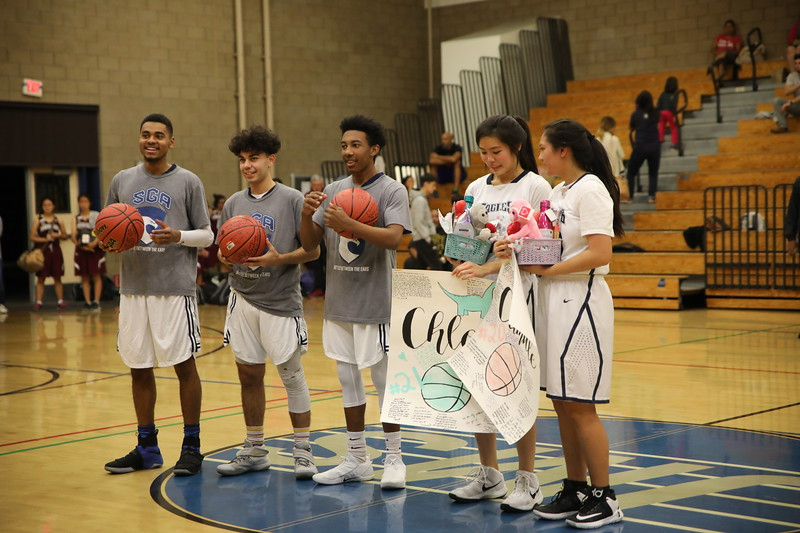 BBSeniorNight020818_038.jpg