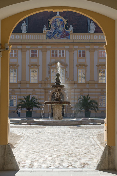 Into the courtyard of the Melk Abbey.