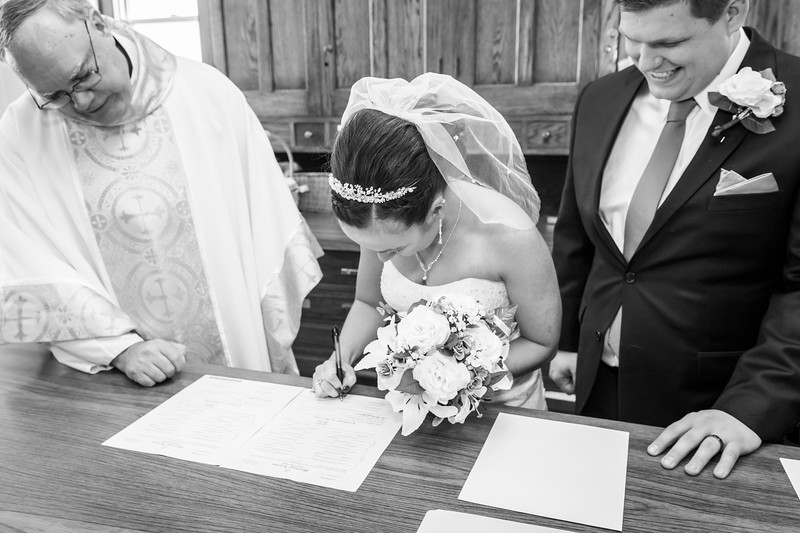 Jennie & EJ Wedding_00304-BW.jpg