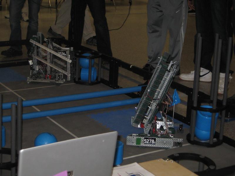 Robo Comp and vid game night 110.JPG