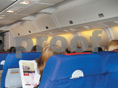 united-airlines-no-more-free-overhead-bin-for-luggage-with-cheapest-fares