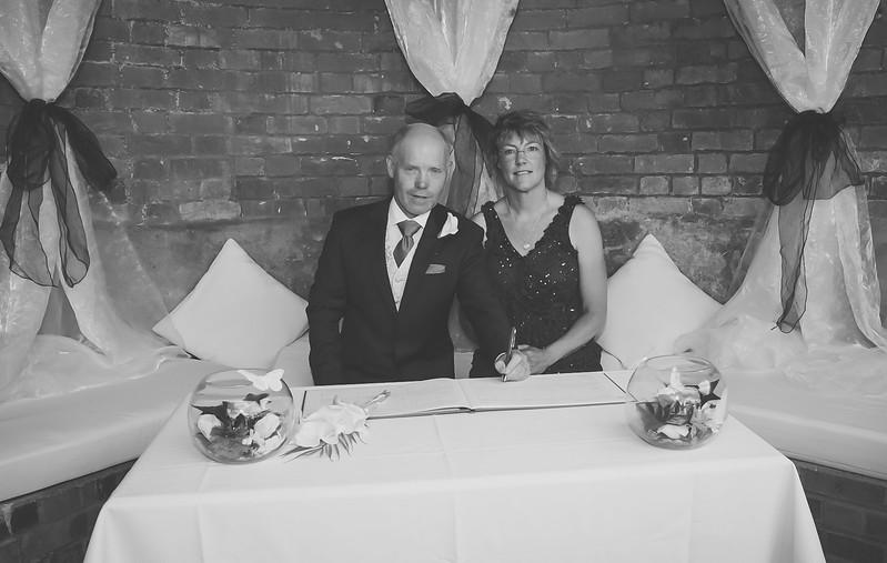 Mr and Mrs -64.jpg