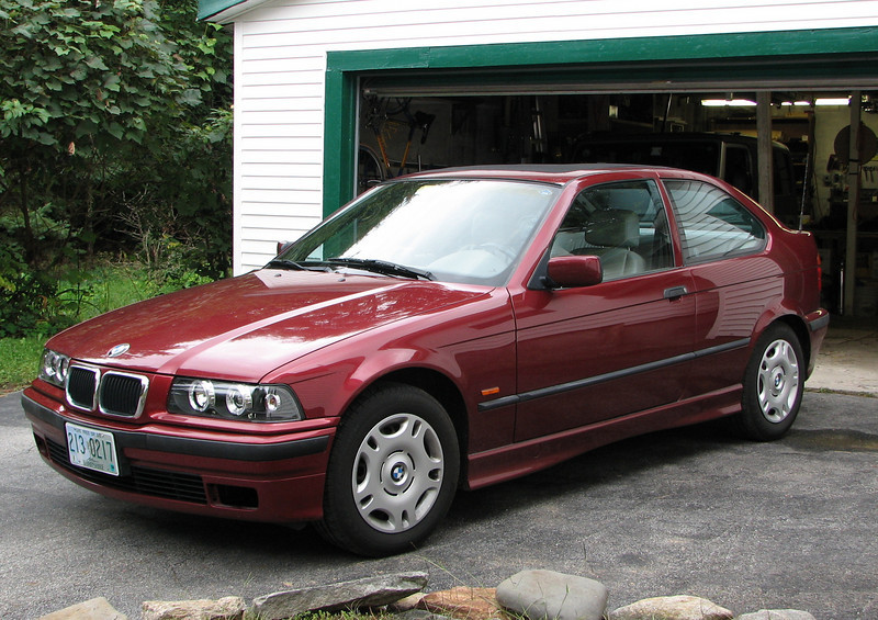1999 BMW 318ti with California sunroof.
